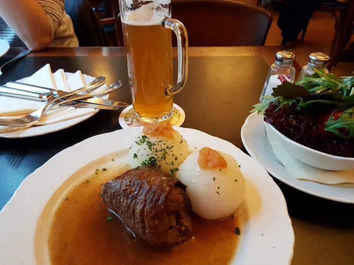 Roulade mit Thüringer Klößen im Gasthaus Feuerkugel