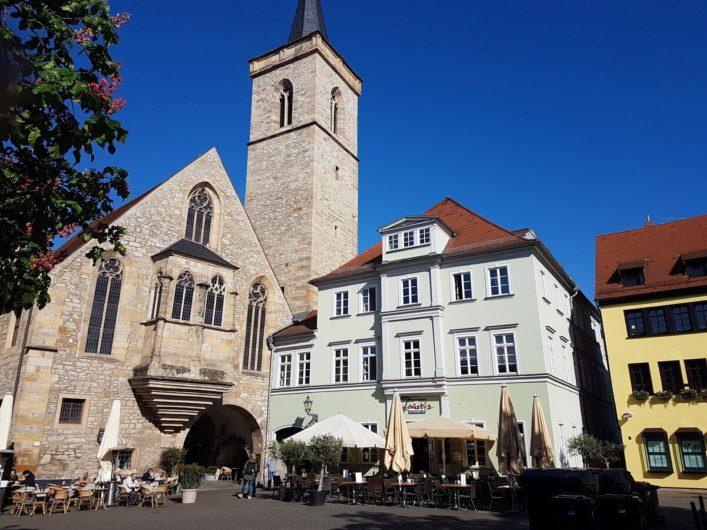 Ägidienkirche am Wenigemarkt mit Durchgang zur Krämerbrücke