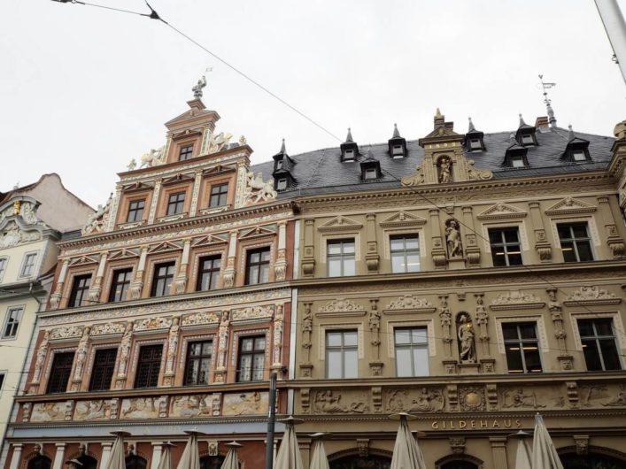 prachtvoll verzierte Fassaden in der Erfurter Altstadt