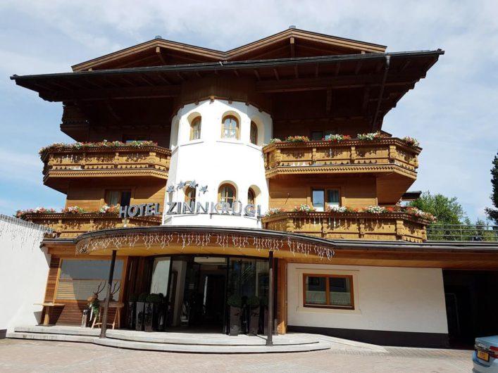 Eingang zum Hotel Zinnkrügl in St. Johann im Pongau