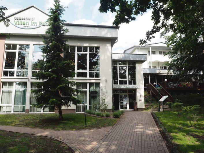 Haupthaus des Hotels Villen im Park im Seebad Bansin