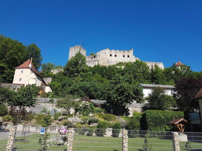 Blick auf die Burg Pappenheim