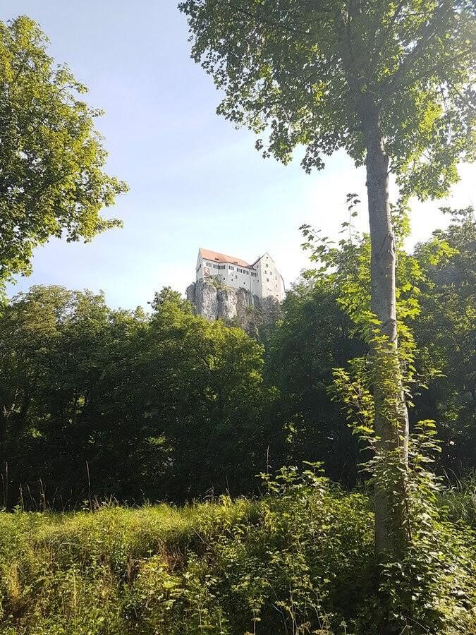 Burg Prunn hoch über dem Altmühltal