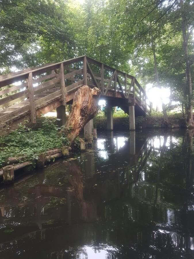 Brücke über ein Spreewaldfließ