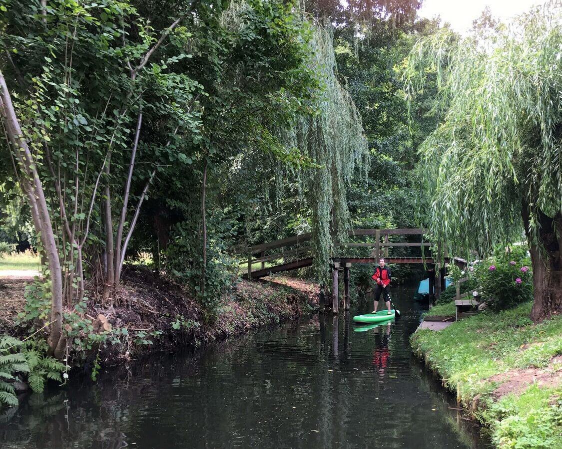 Standup Paddling im Spreewald: Gemütlich unterwegs auf idyllischen Fließen
