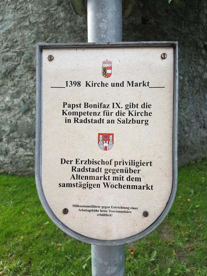 Erklärtafel am Milleniumsweg in Radstadt