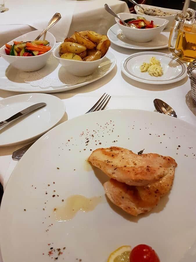 Gut essen in München im Restaurant des Maritim Hotels
