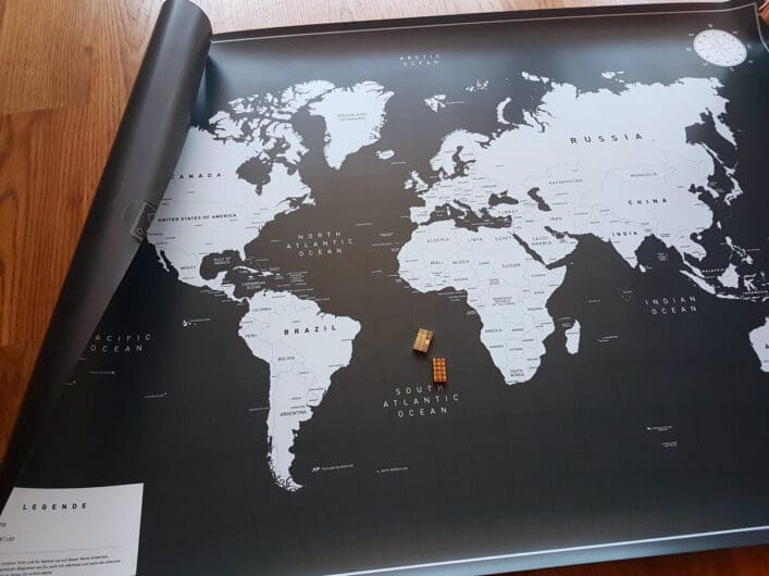 Blick auf die magnetische Weltkarte