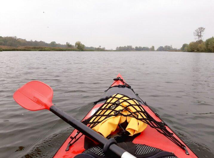 Blick aus dem Kanu über die Havel