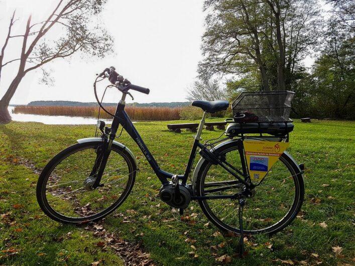 E-Bike am Ufer des Scharmützelsees