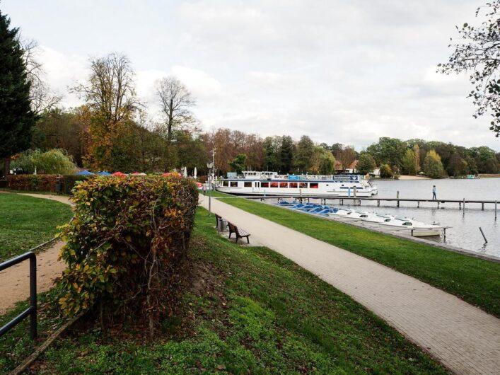Blick Richtung Schiffsanlegestelle in Bad Saarow