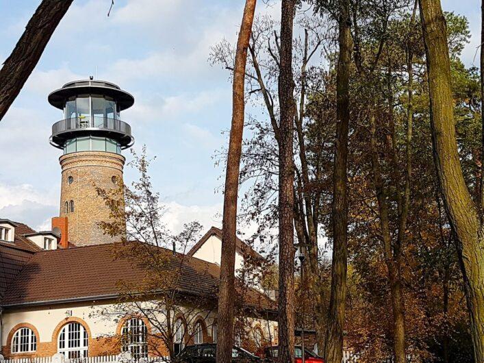 Blick auf den Wasserturm Bad Saarow