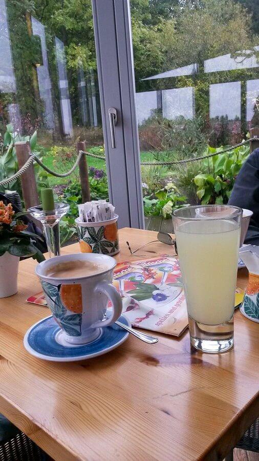 Kaffee und Zitronenmolke bei der Rügener Inselfrische