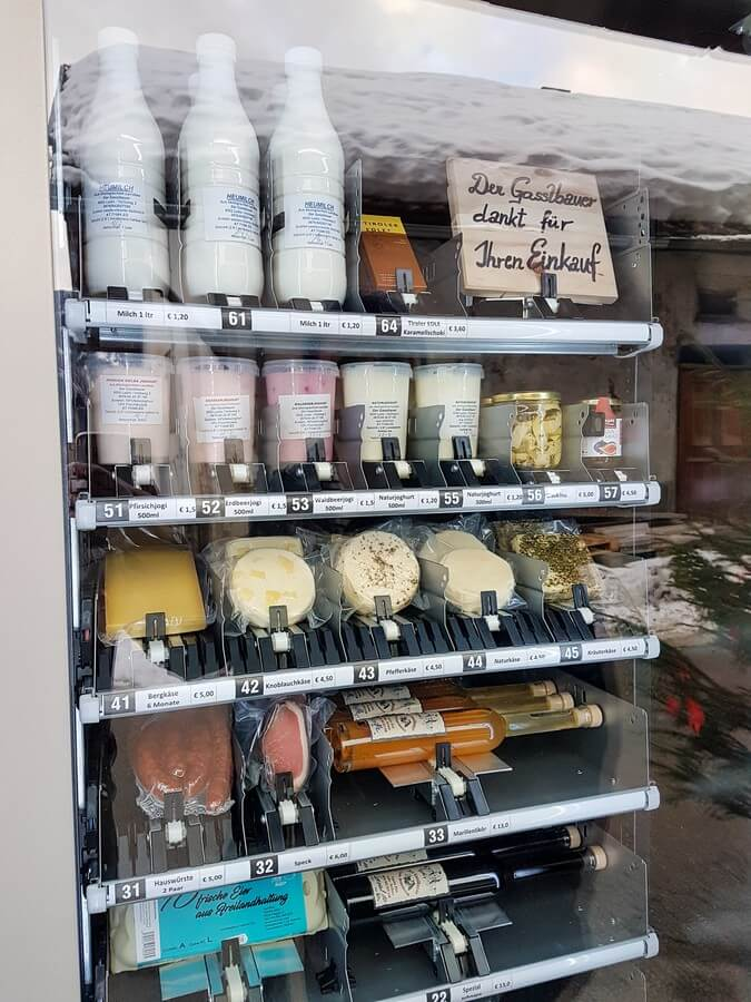Automat mit Milchprodukten und Wurst vom Gasslbauer in Ladis