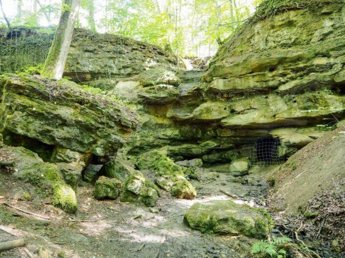 Felsen in der Teufelsschlucht des Nürnberger Lands