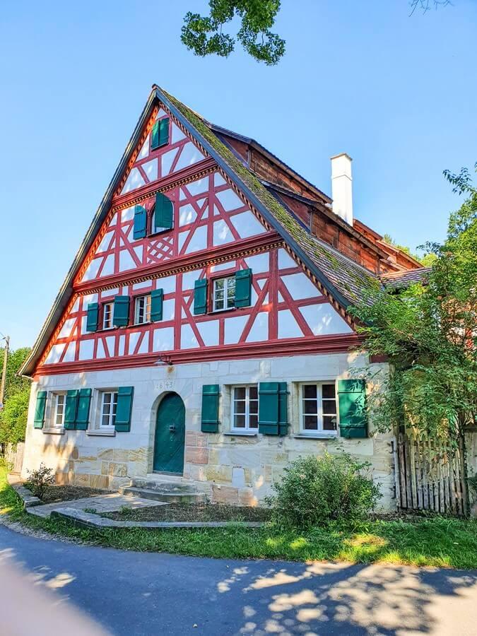 Blick auf das Fachwerkhaus der Prethalmühle