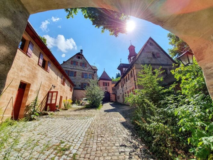 Blick in den Hof von Schloss Grünsberg