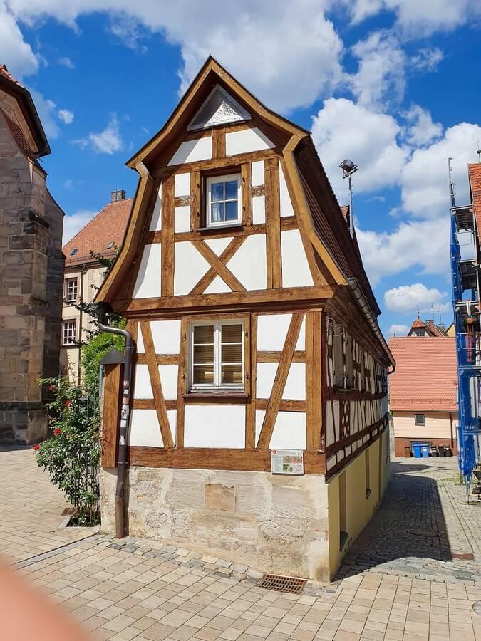 schmales Fachwerkhaus in Altdorf