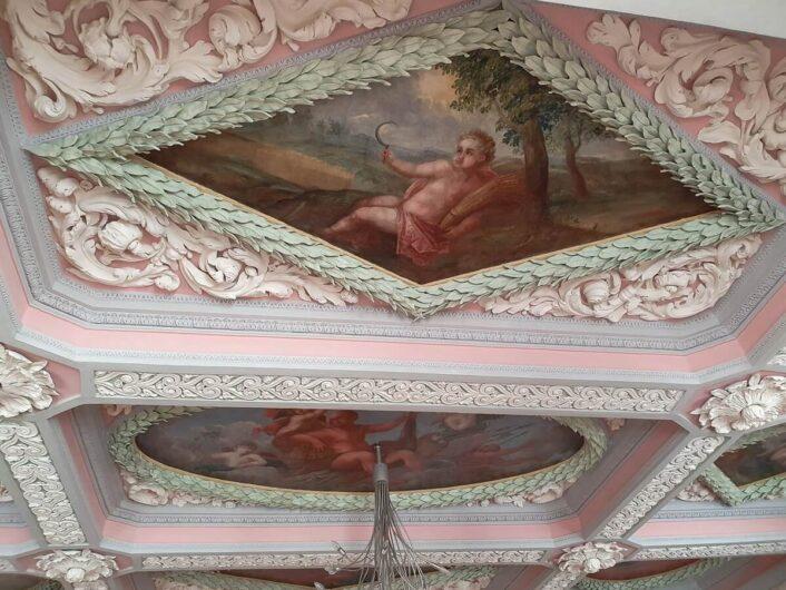 kunstvolle Decke im Standesamt Weißenfels