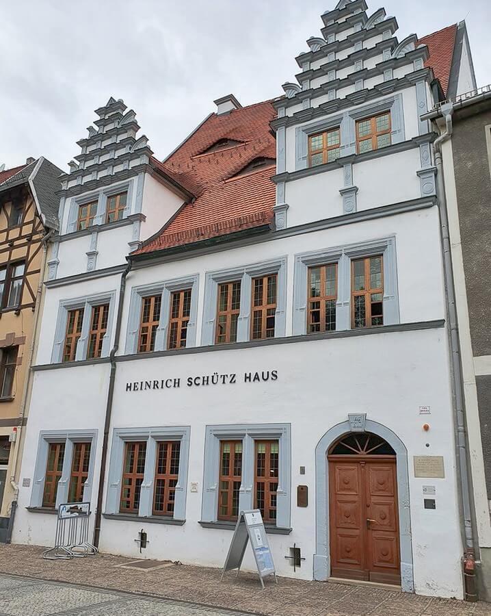 Blick auf das Heinrich-Schütz-Haus in Weissenfels