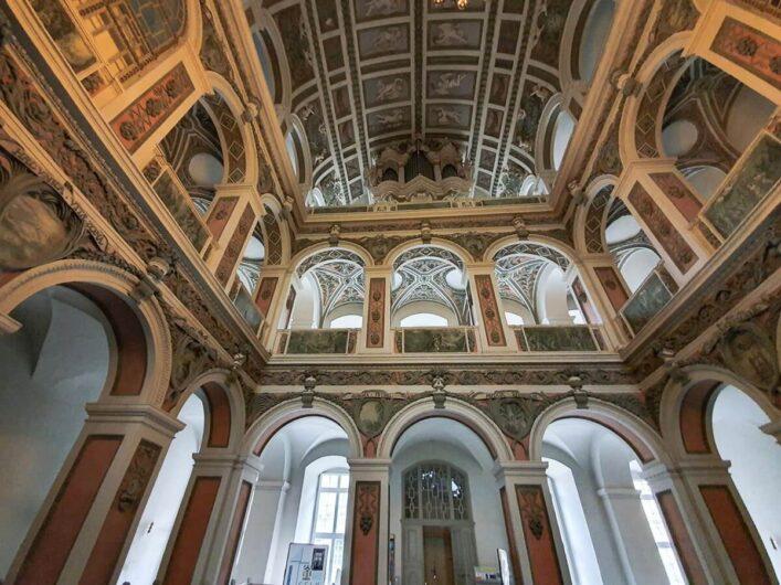 Blick auf die Orgel von St. Trinitatis in Weißenfels