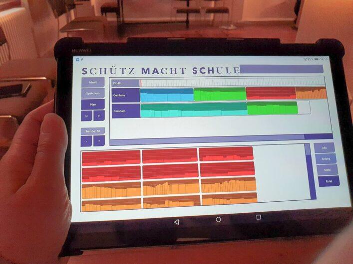 Blick auf das Tablet mit den Fragmenten aus Werken von Heinrich Schütz