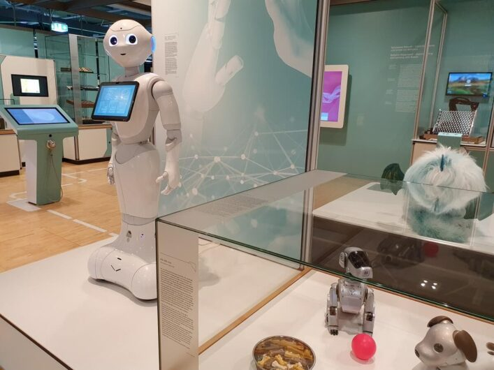 Roboter Pepper und andere humanoide Roboter