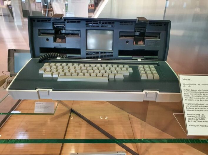 erster Laptop im Heinz Nixdorf Museumsforum