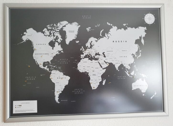 magnetische Weltkarte in Alurahmen mit Hartplastikfolie