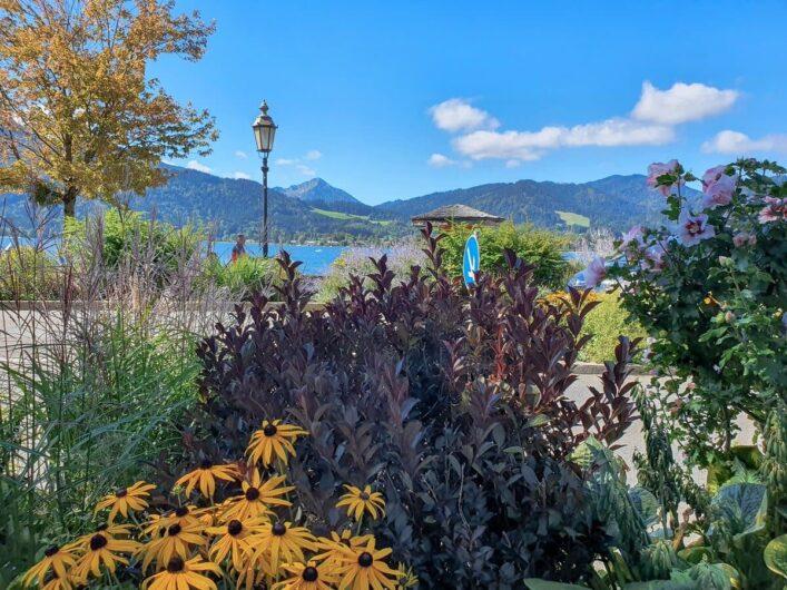 Blick auf den Tegernsee und die Bergwelt