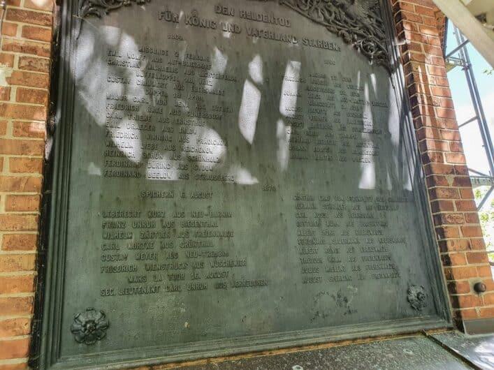 Gedenktafel am Aussichtsturm auf dem Galgenberg