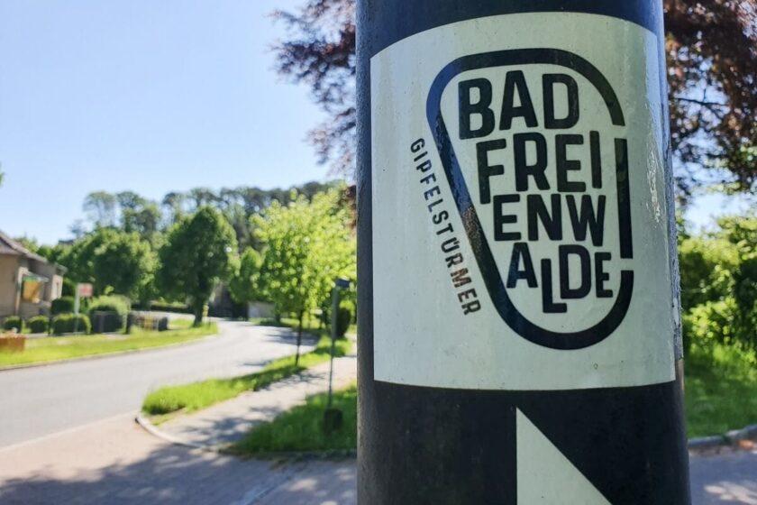 Wegweiser zum Gipfelstürmer in Falkenberg