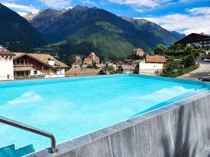 Infinity-Pool im Hotel Sunnwies