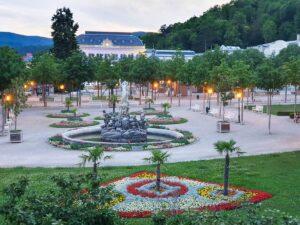 Blick auf den Kurpark und das Casino in Baden bei Wien