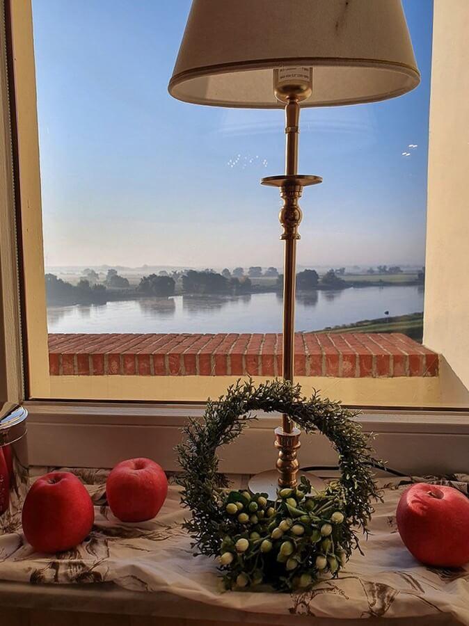 Ausblick auf die Elbe vom Restaurant des Schlosshotels Tangermünde