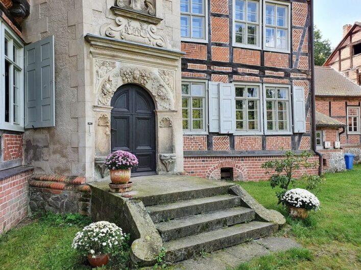 Eingangsbereich des Gutshaus Briest mit Treppe