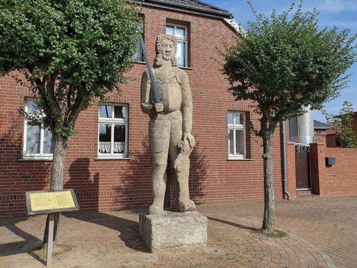 Roland-Statue in Buch