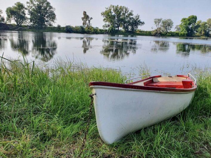 Ruderboot auf dem Badeseen in Kehnert