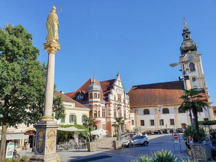 Blick auf den Hauptplatz von Hartberg in der Steiermark